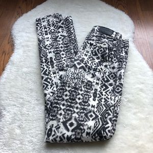 Harlow jeggings black and white abstract size 23